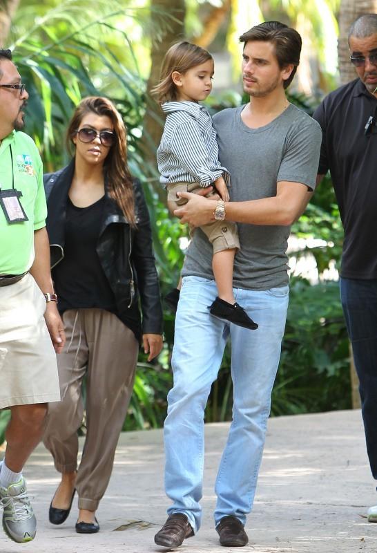Kourtney Kardashian, Mason et Scott Disick, Miami, 14 décembre 2012.