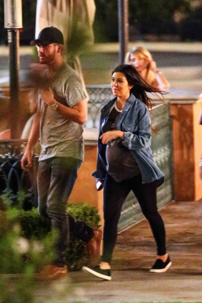 Kourtney Kardashian et Scott Disick : soirée en amoureux avant l'arrivée de bébé !