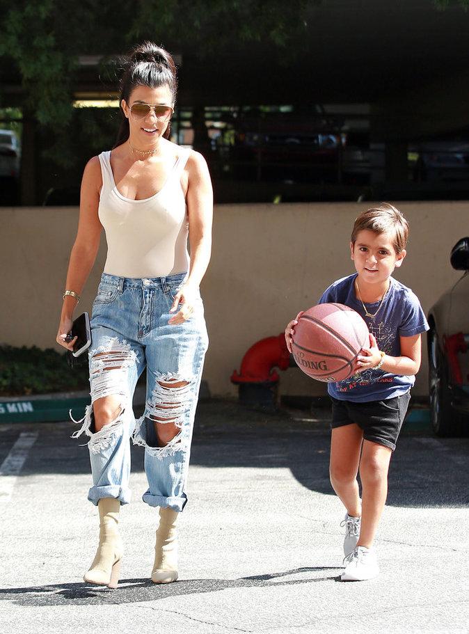 Kourtney Kardashian : maman fashion pour une journée stylée avec son fils Mason