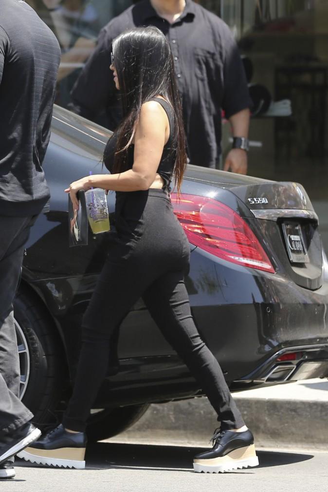 Kourtney Kardashian : Sexy et stylée pour une virée chez DASH !