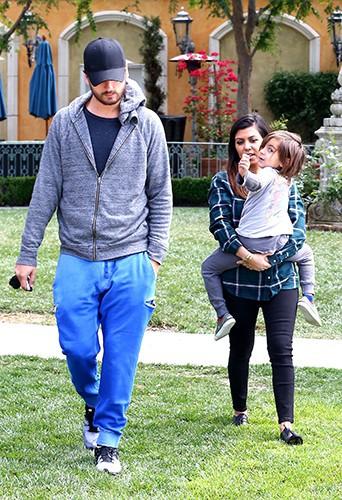 Scott Disick, Kourtney Kardashian et leur fils Mason à Los Angeles le 21 mars 2014