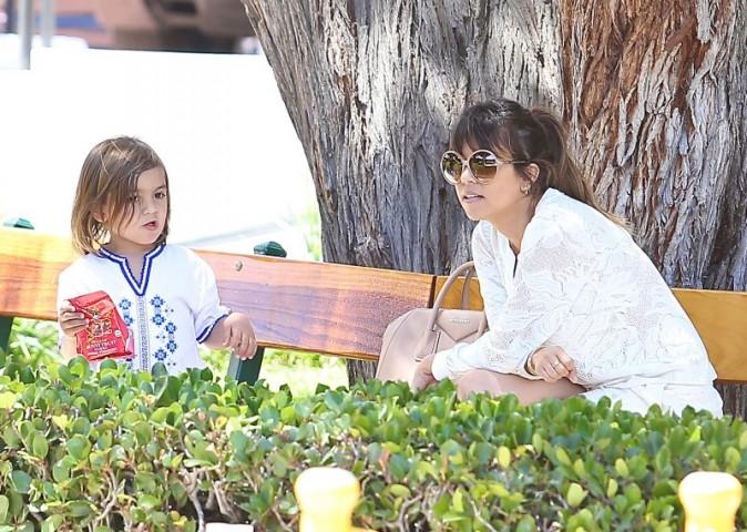 Kourtney Kardashian en famille à Malibu, le 29 mai 2013.