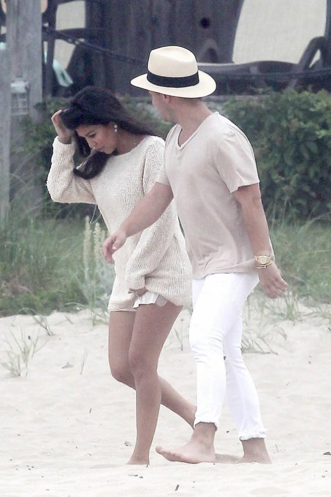 Photos : Kourtney Kardashian : une femme enceinte radieuse et sexy pour un shooting sur la plage !
