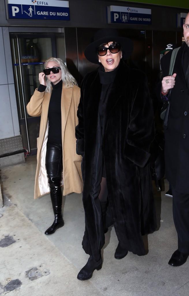 Photos : Kris et Kendall Jenner : elles débarquent à Paris !