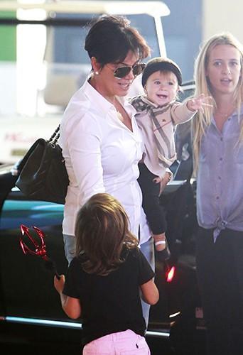 Kris Jenner, Mason et Penelope Disick à Calabasas le 4 octobre 2013
