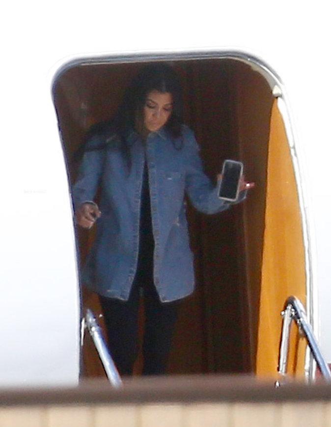 Photos : Kris Jenner embarque toute sa famille en jet pour des vacances improvisées !