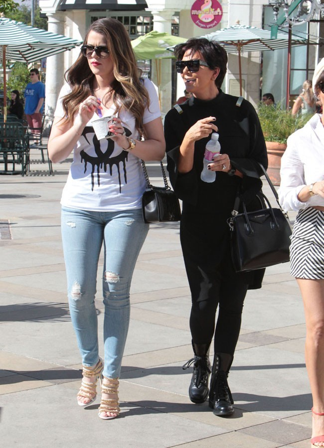 Khloé Kardashian et Kris Jenner à Calabasas le 18 juin 2013