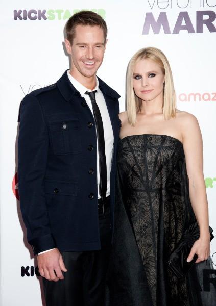 """Kristen Bell et Jason Dohring lors de la première du film """"Veronica Mars"""" à New York, le 10 mars 2014."""