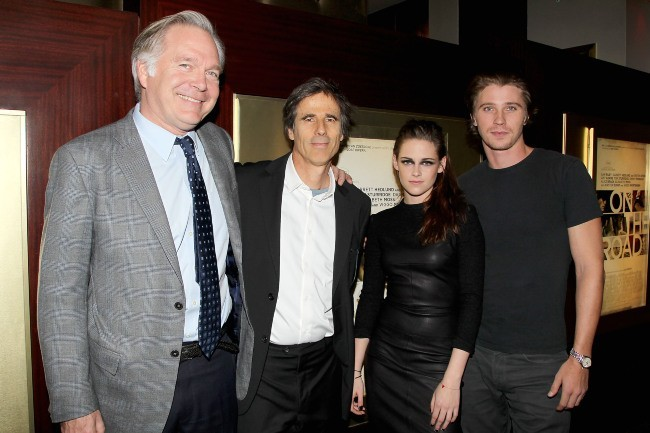 Jonathan Sehring, Walter Salles, Kristen Stewart et Garrett Hedlund à New York, le 8 novembre 2012.