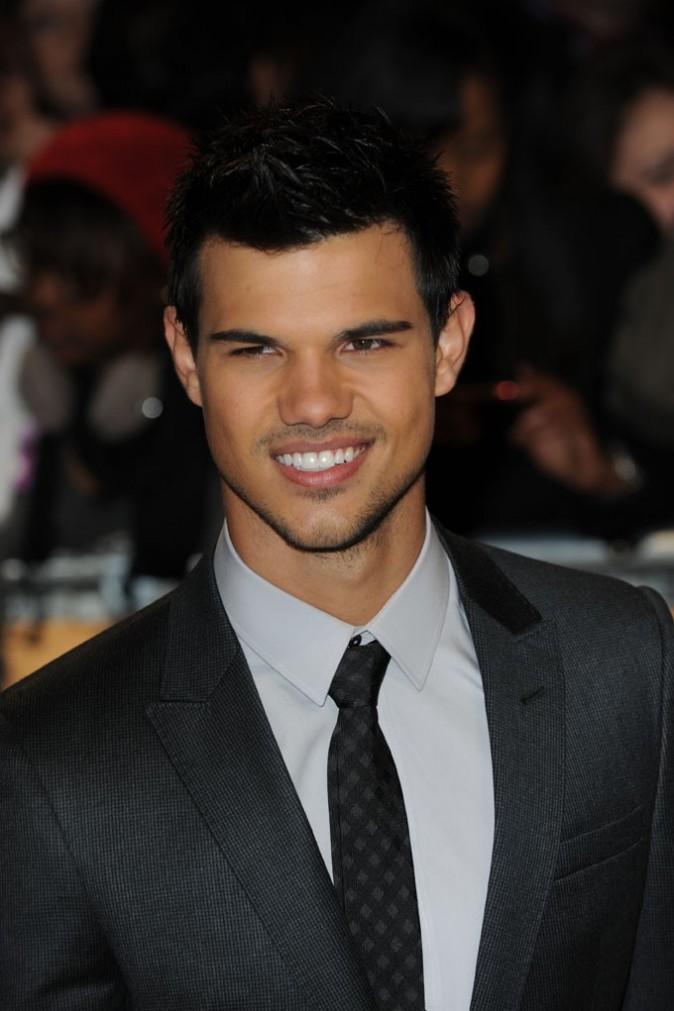 Taylor toujours là pour tenir la chandelle !