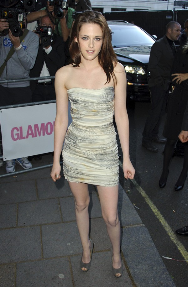 Kristen fait son arrivée aux Glamour Women of the Year Awards !