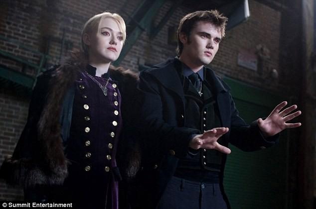 Les studios Summit continuent la promo de Twilight : Révélation