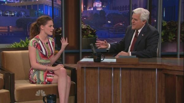 Kristen Stewart sur le plateau du Tonight Show with Jay Leno, le 5 novembre 2012.