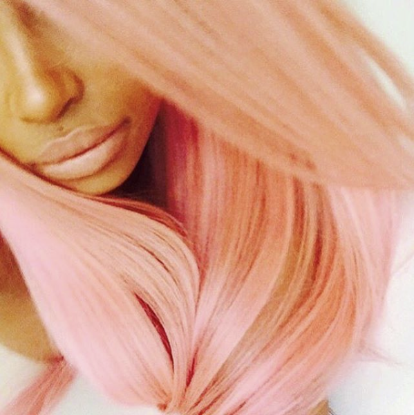 Photos : Kylie Jenner défie Blac Chyna en cheveux roses !