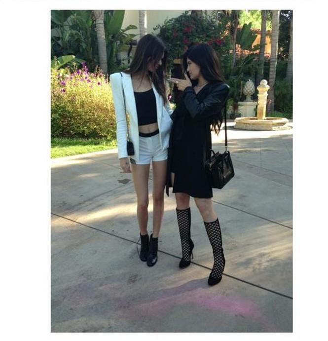 Sexy les deux soeurettes, Kendall et Kylie !