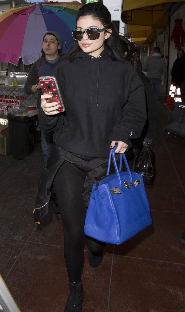Kylie sors de son rendez-vous pour rejoindre Tyga