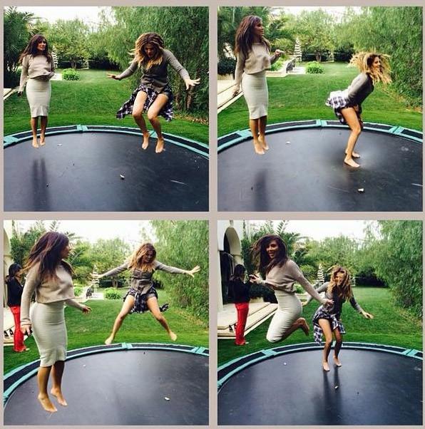 Kim Kardashian sur un trampoline en crop top, on aura tout vu !