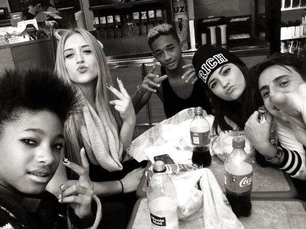 Kylie Jenner et sa bande : Willow Smith, Hailey Baldwin et Jaden Smith à New-York le 27 février dernier !