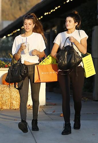 Kylie Jenner et Sofia Richie à Malibu le 27 octobre 2013