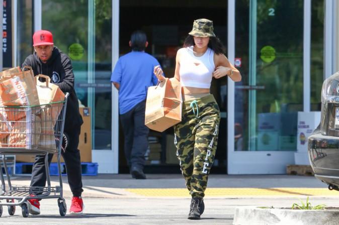 Photos : Kylie Jenner et Tyga : grosses courses pour emménagement imminent !