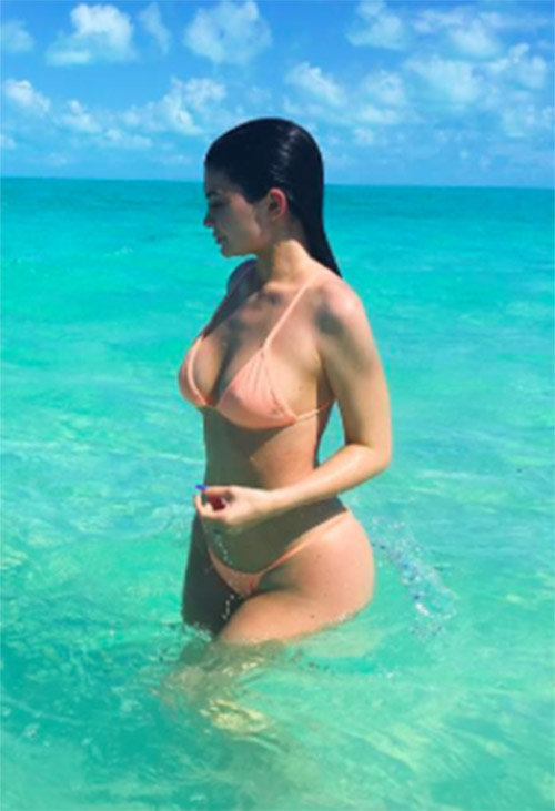 Kylie Jenner en vacances dans les îles Turks & Caicos