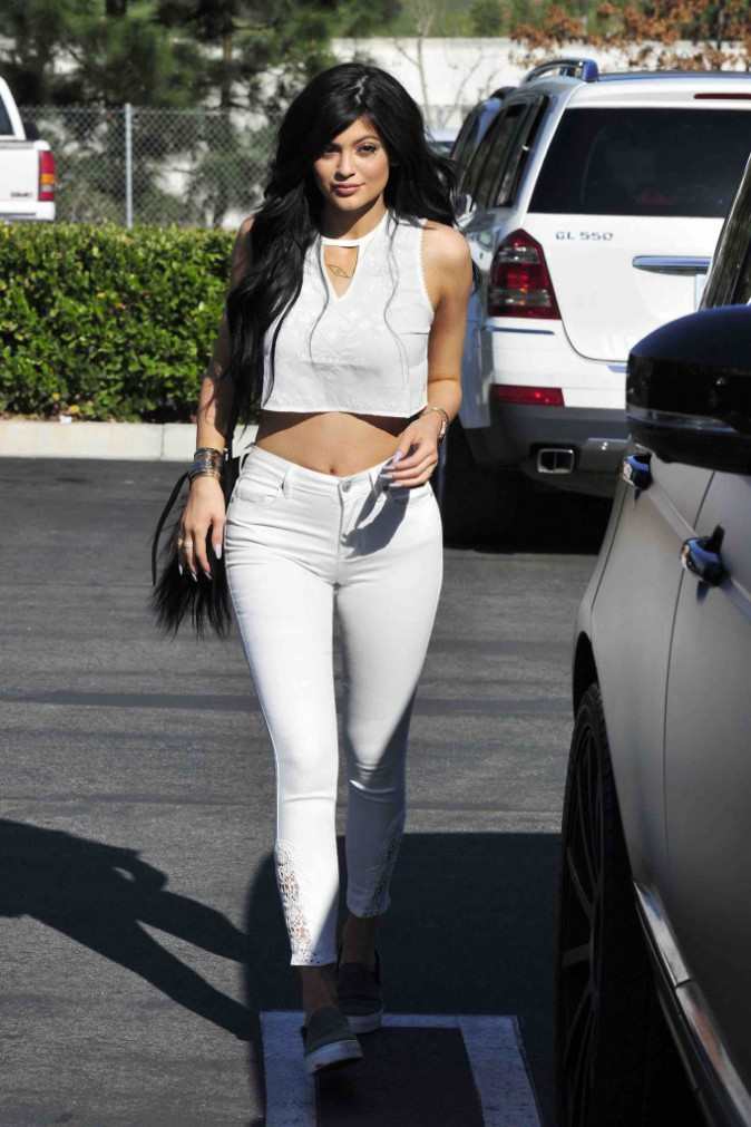 Kylie Jenner : se trouve t-elle trop grosse ?