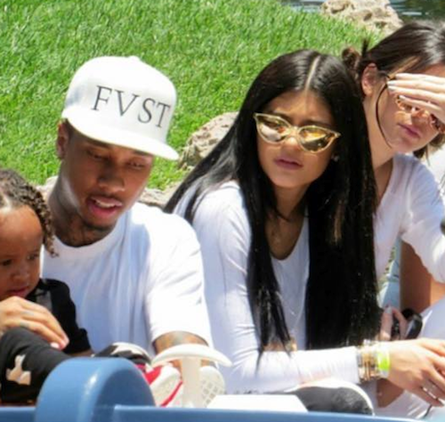 Photos : Kylie Jenner : sexy en total look white pour l'anniversaire de la petite North !