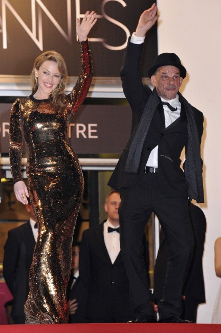 Kylie Minogue et Denis Lavant lors du 65e Festival de Cannes, le 23 mai 2012.
