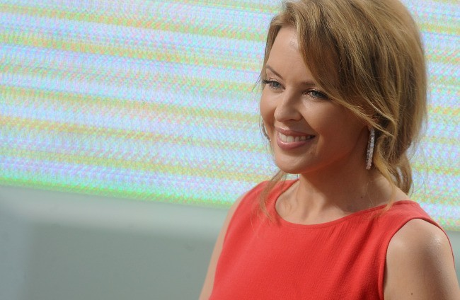Kylie Minogue sur le plateau du Grand Journal à Cannes, le 23 mai 2012.