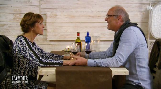 Bernard dit à Michèle qu'il la trouve resplendissante !