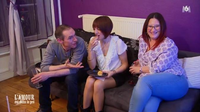 Jean-Paul est harcelé de questions par les copines de Marie !