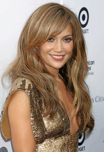 Mère porteuse : Jennifer Lopez y pense...