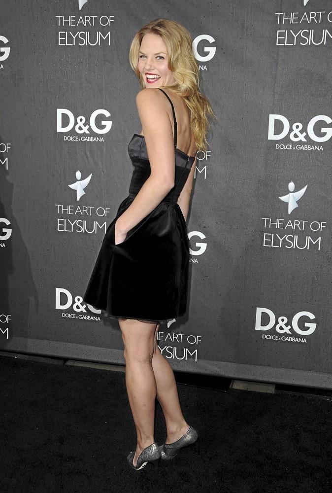 Jennifer Morrison, fini la blouse blanche, place à la robe de princesse !