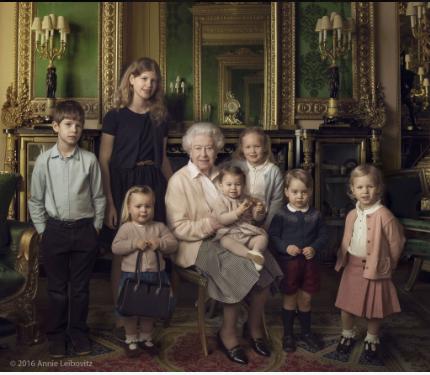 La Reine Elizabeth II et ses petits enfants