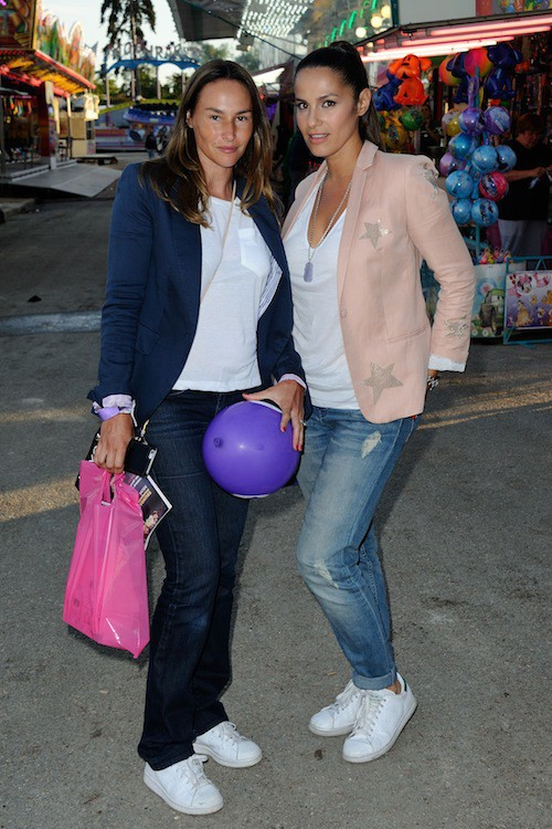 Elisa Tovati et Vanessa Demouy à la fête à Neu Neu, à Boulogne, le 28 août 2015