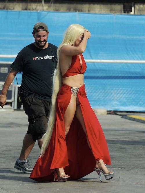 Photos : Lady Gaga, après sa robe en viande, sa robe dans le vent !