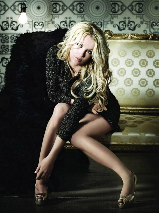 Britney Spears en mode Femme Fatale pour son come-back !