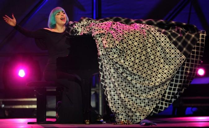 Sa robe était plutôt sobre...mais immense !