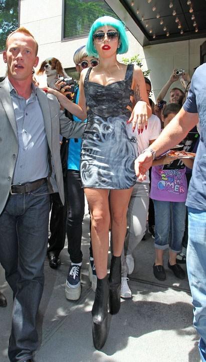 Lady Gaga arrivant chez Sirius Radio !
