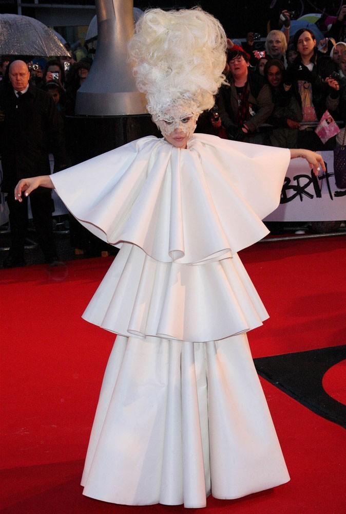Photos : Lady Gaga est... la Dame blanche !