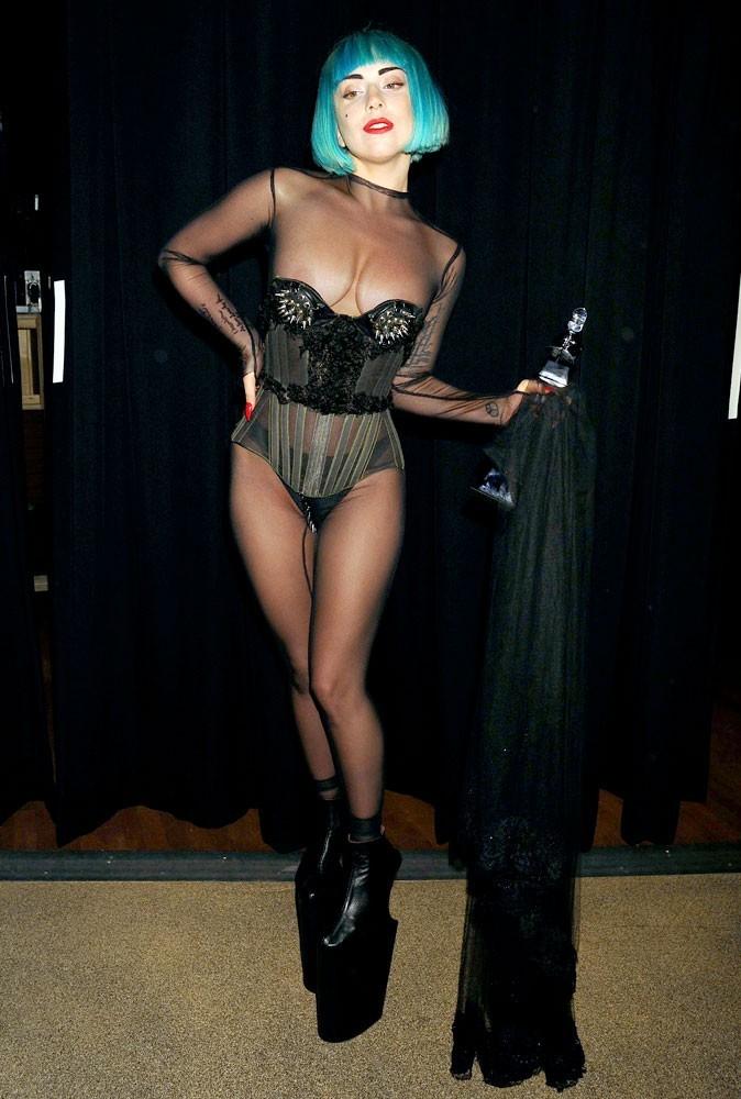 Photos : Lady Gaga recto...