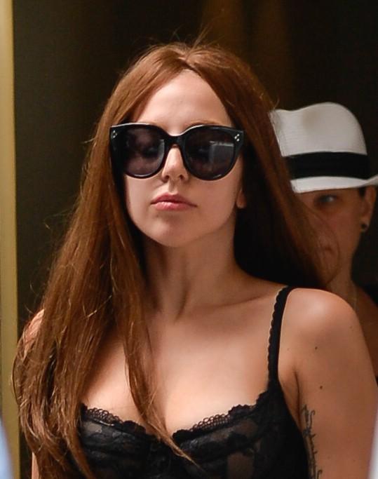 Lady Gaga avec perruque (la semaine dernière à New-York)...