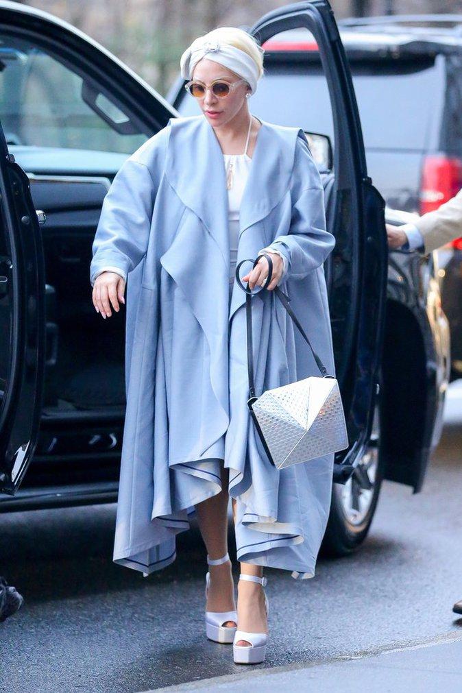 Photos : Lady Gaga : Un fashion faux pas qui a du chien !