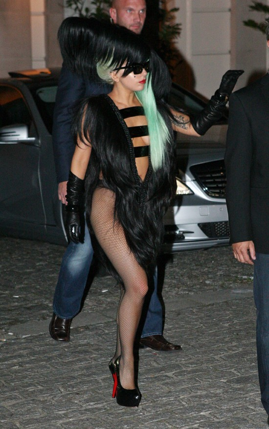 L'ovni Gaga sort de son nid !