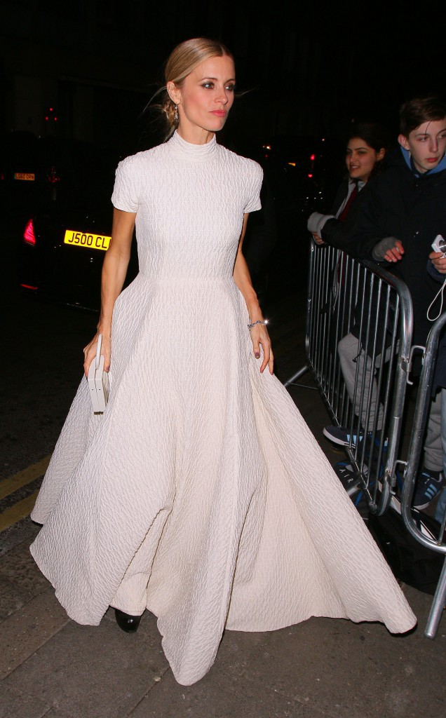 Photos : Laura Bailey : se prendre la honte aux BAFTAs ? Elle s'en tamponne !