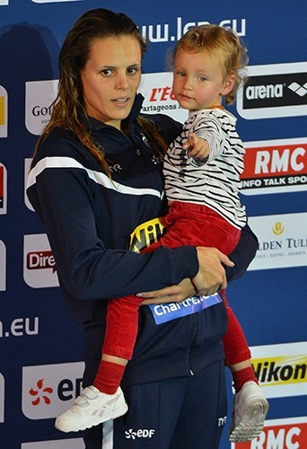 Avec sa fille Manon, aux Championnats d'Europe à Chartres où elle a remporté la médaille, novembre 2012.