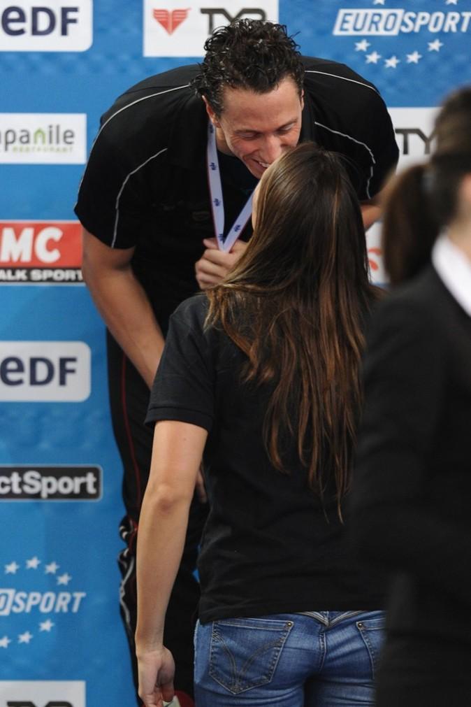 Elle félicite Frédérick Bousdquet lors des derniers Championnats de France ... Laure sait qu'elle pourr atoujours compter sur lui ...