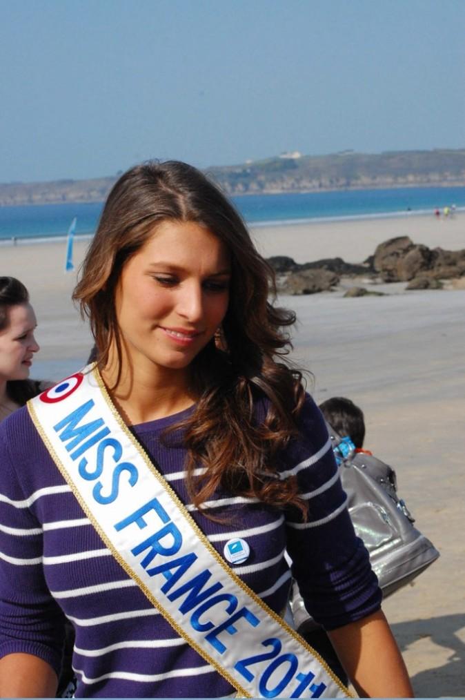 Jolie et naturelle sous le soleil breton