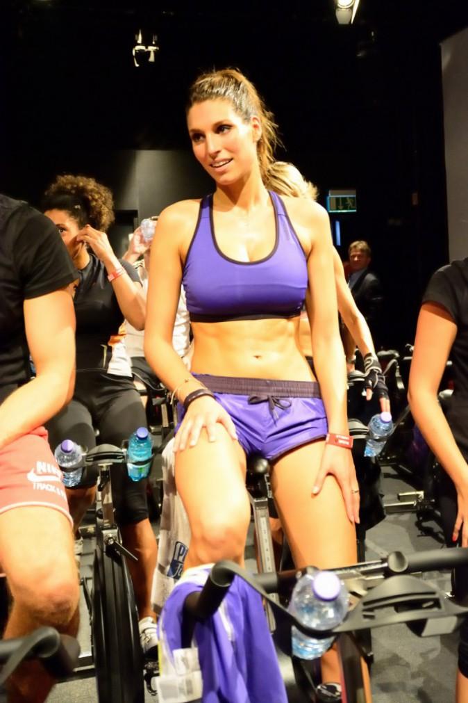 Photos : Laury Thilleman : gonflée à bloc pour une séance de sport intensive !