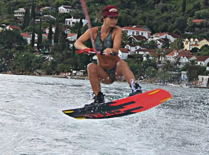 Laury Thilleman : la bombe sportive poursuit ses vacances avec son fidèle compagnon !